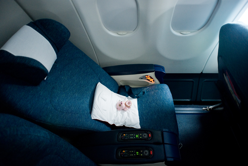 cathay pacific airbus 330-300 cabin business class first class mcdull mcmug