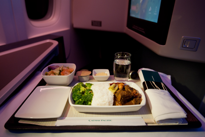 cathay pacific boeing 777-300 er in flight meal